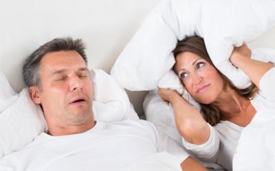 Sabia que o consumo de bebidas alcoólicas influência a qualidade do sono?